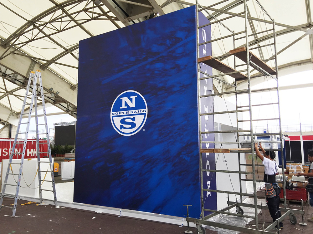 ns-stand-2
